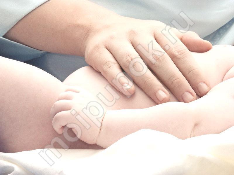 Обрабатываем пупочек новорожденного правильно